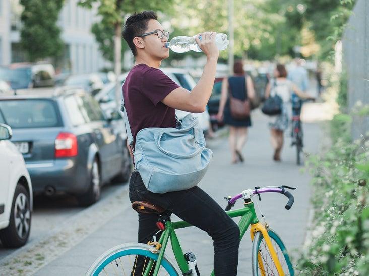 asian man drinking water bike 732x549 thumbnail 13 Ways to Prevent Type 2 Diabetes