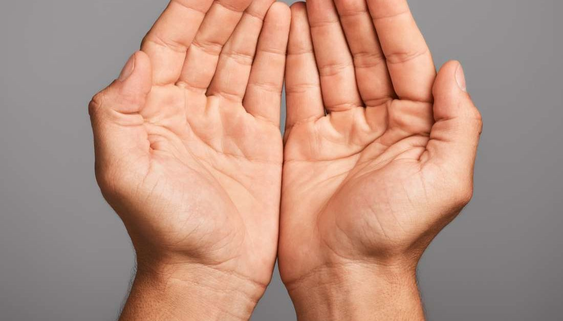 Warm hands: 9 causes and treatment