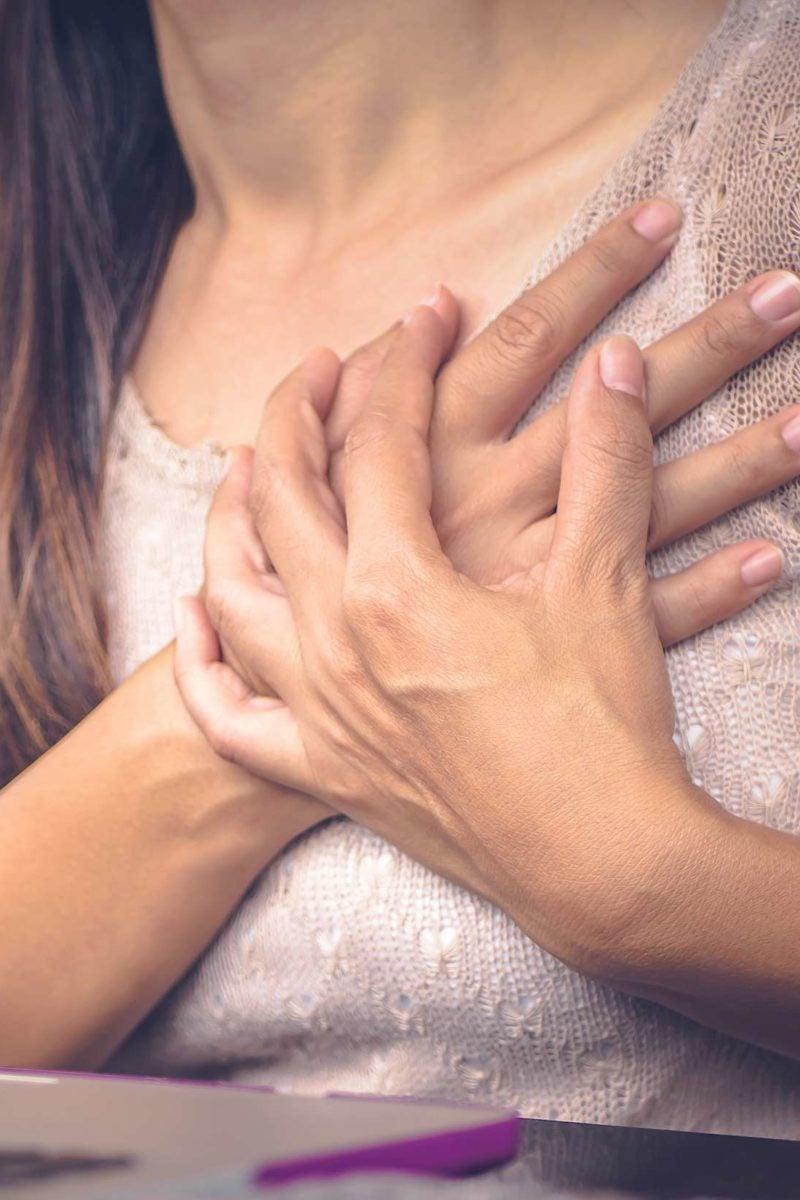 dolor en los senos agudo