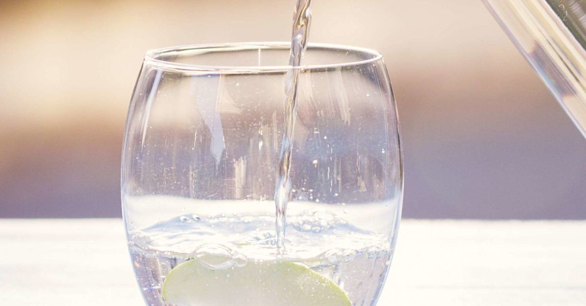 how much water should i drink while dieting