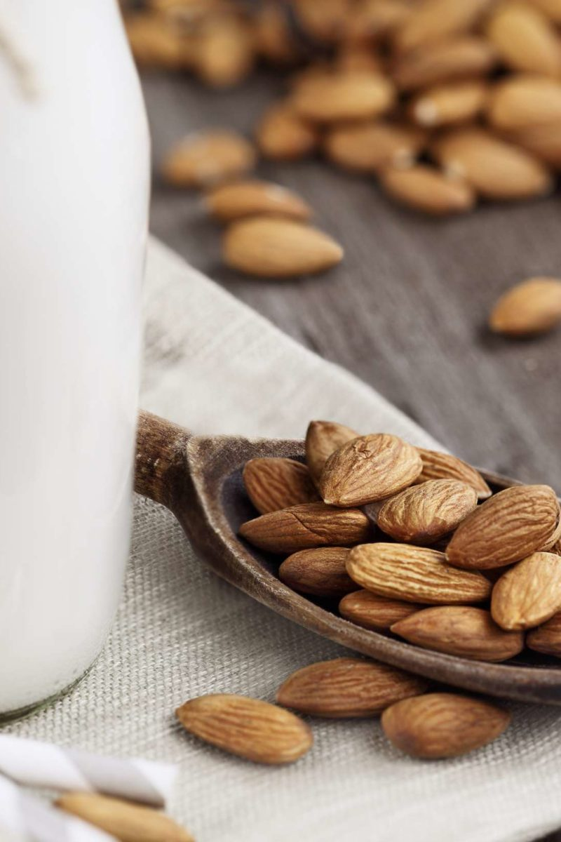 how many almonds should you eat a day to lose weight