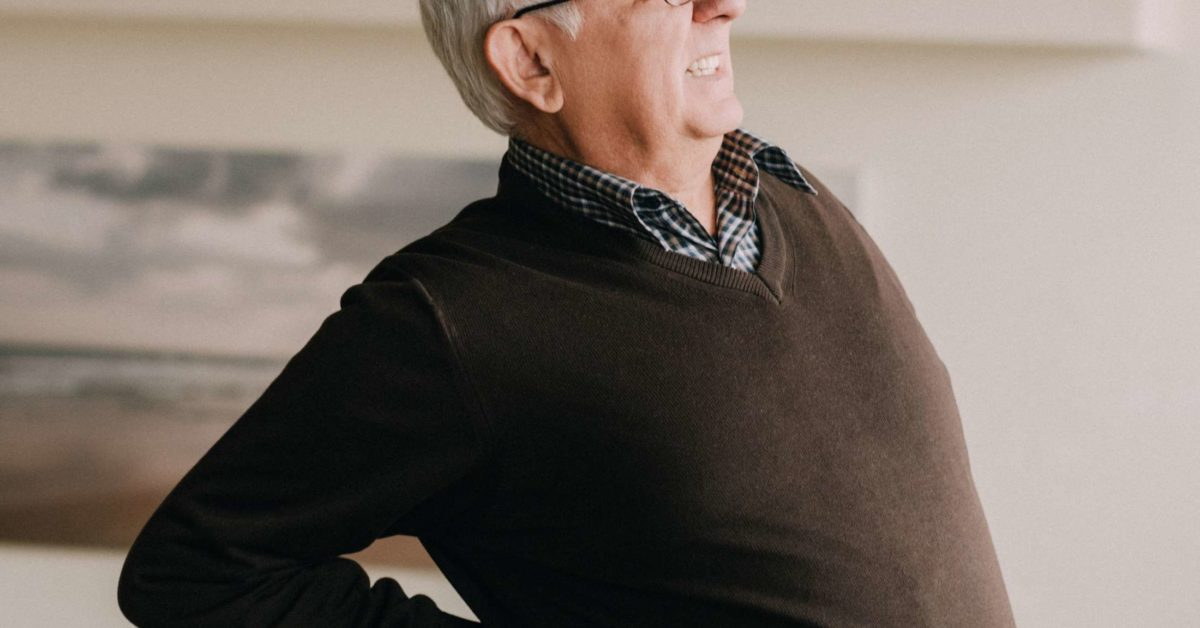 Back pain and shortness of breath: 10 causes