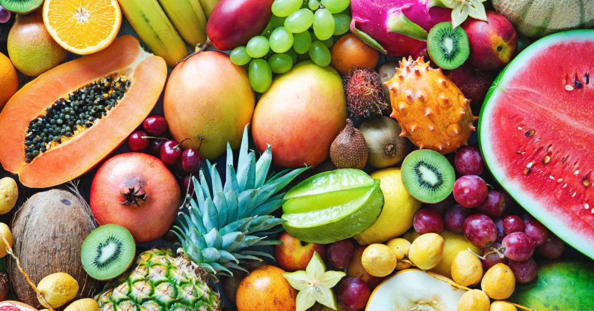 Is there a best time to eat fruit? Facts and myths