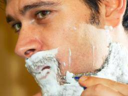 Stop itching from shaving pubic hair
