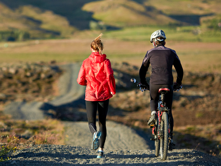 Biking vs. running: Comparison for fitness, weight loss, and more